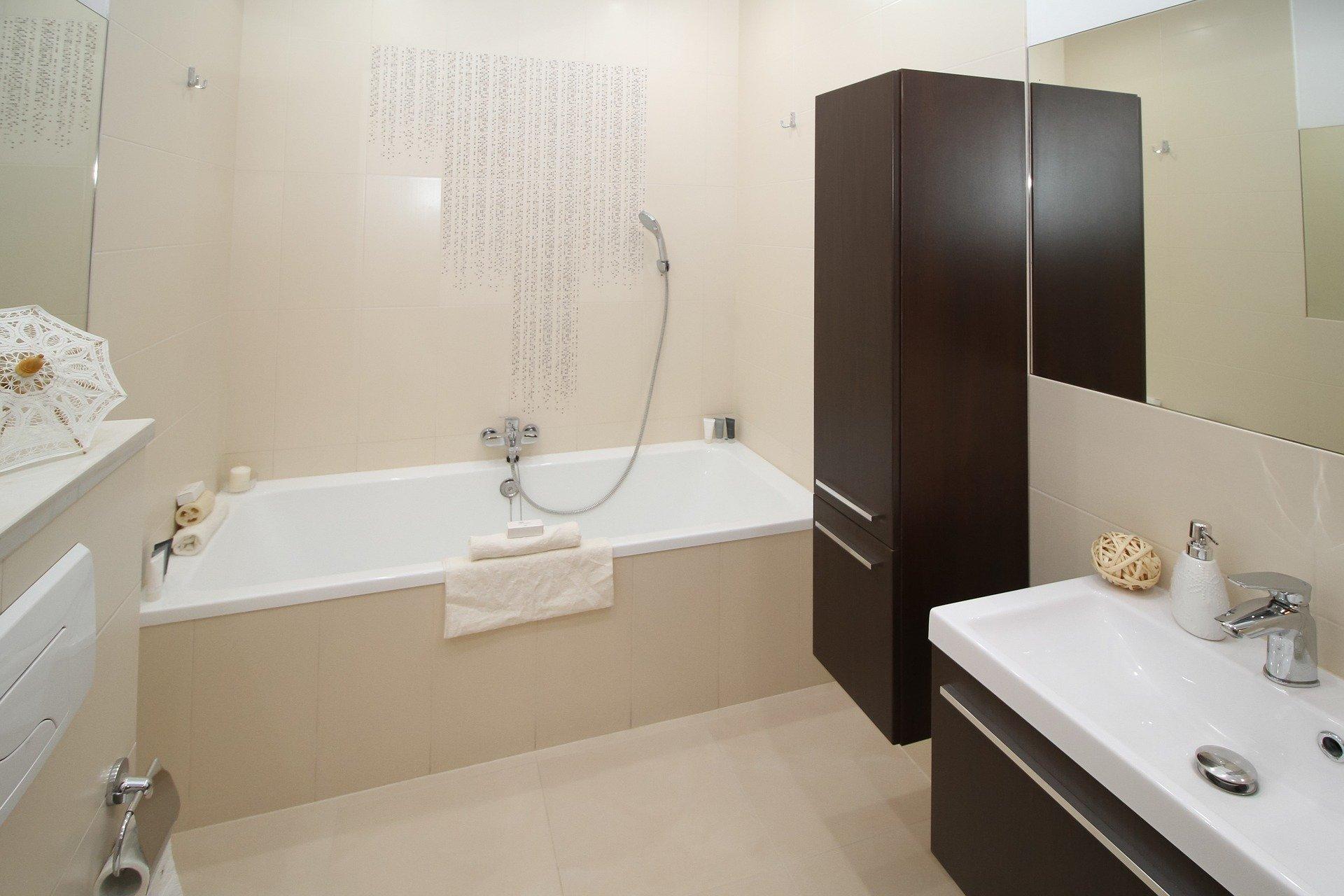 robinetterie salle de bains baignoire lavabo